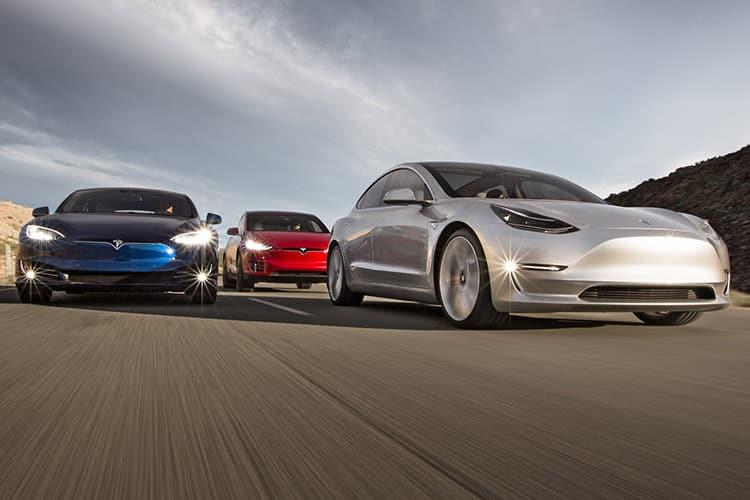 تسلا ارزشمندترین خودروساز